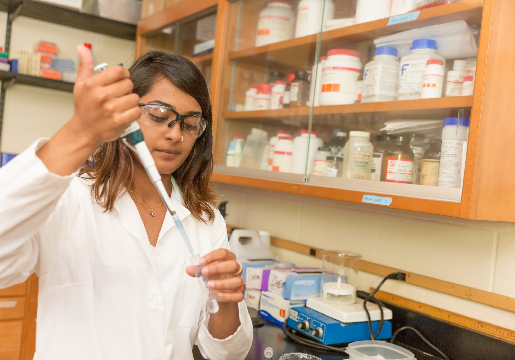 20160720 JLH Ashita Bhatnagar Chem Lab-005